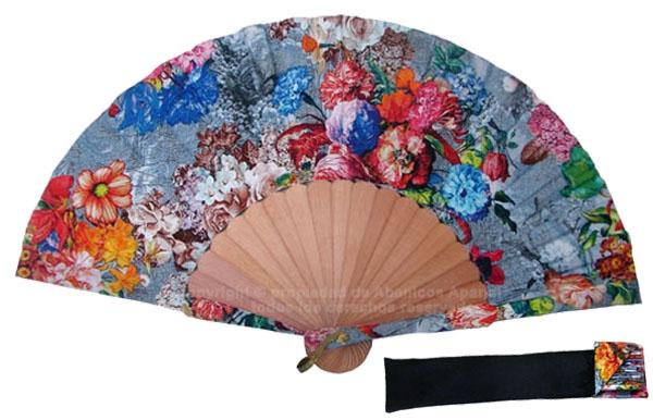 8002 – Handcrafted Wooden Fan