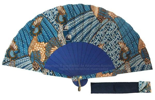 8012 – Handcrafted Wooden Fan
