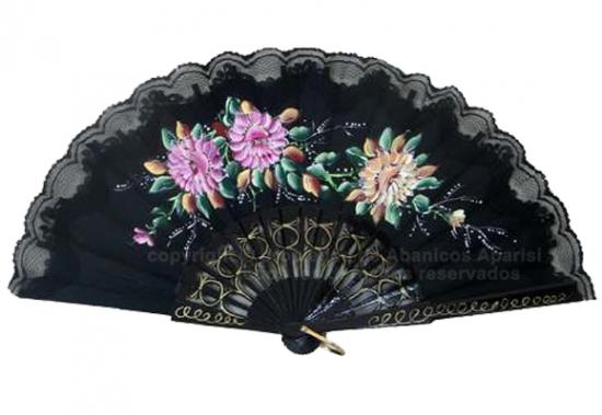 539 – Wood fan with lace-flowers