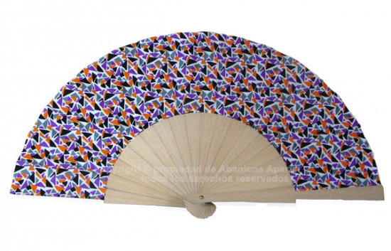 548 – Fan in natural wood coloured triangle print