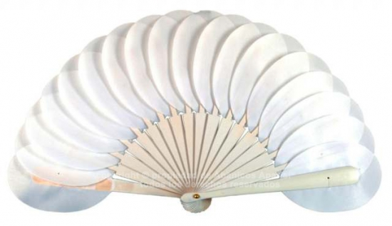 6305/8 – Shaped wooden handbag fan in individual box