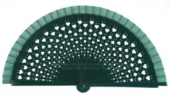 665 – wooden openworked fan with clovers